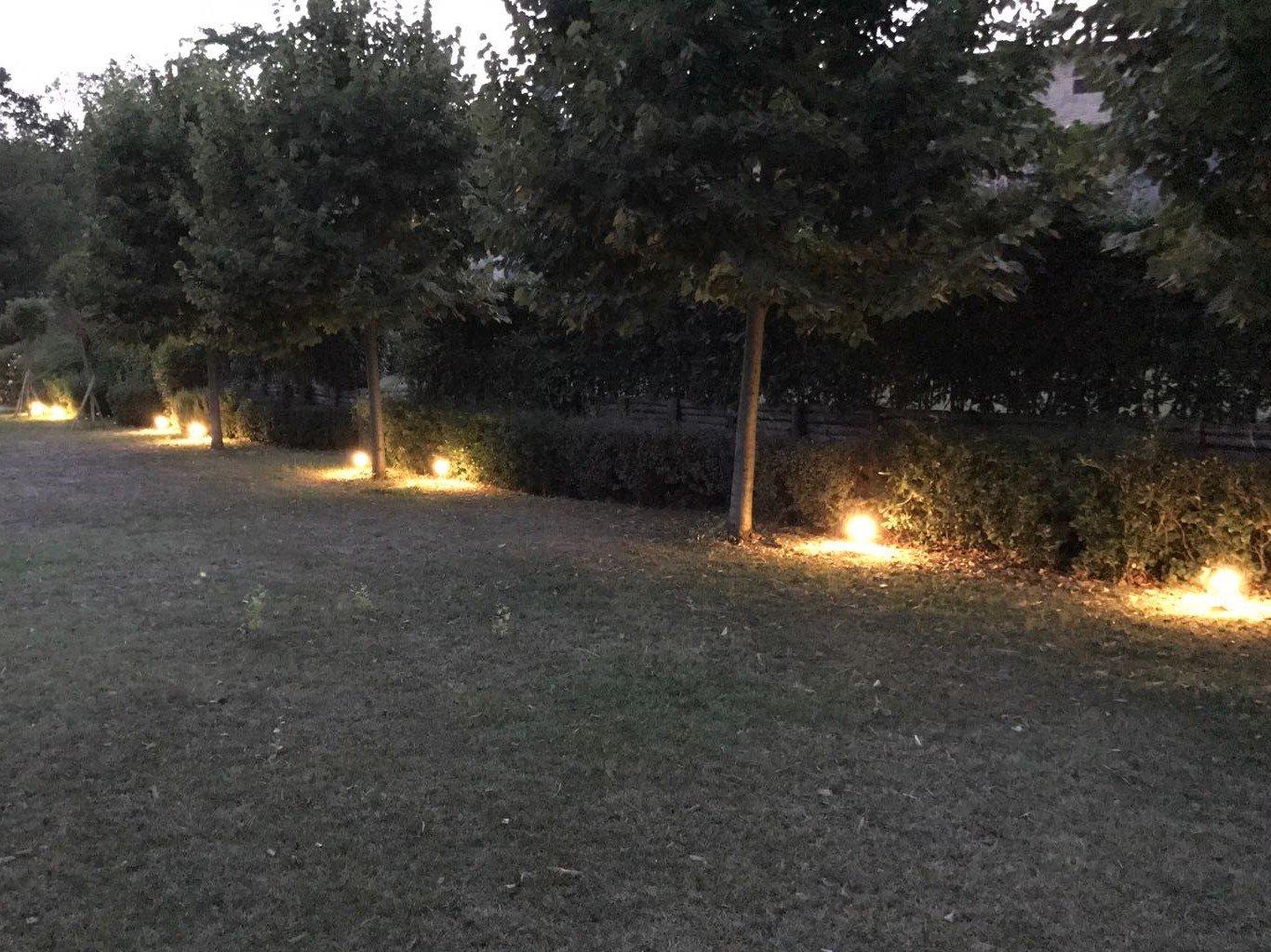 Faretti led da esterno illuminazione giardino for Illuminazione da giardino a led