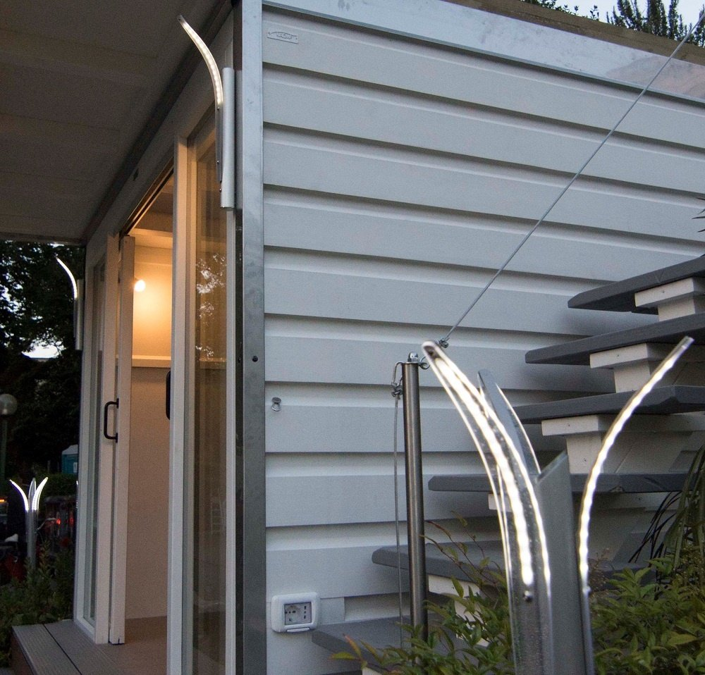 Lampioni da giardino moderni a led di produzione italiana for Lampioni da giardino a led