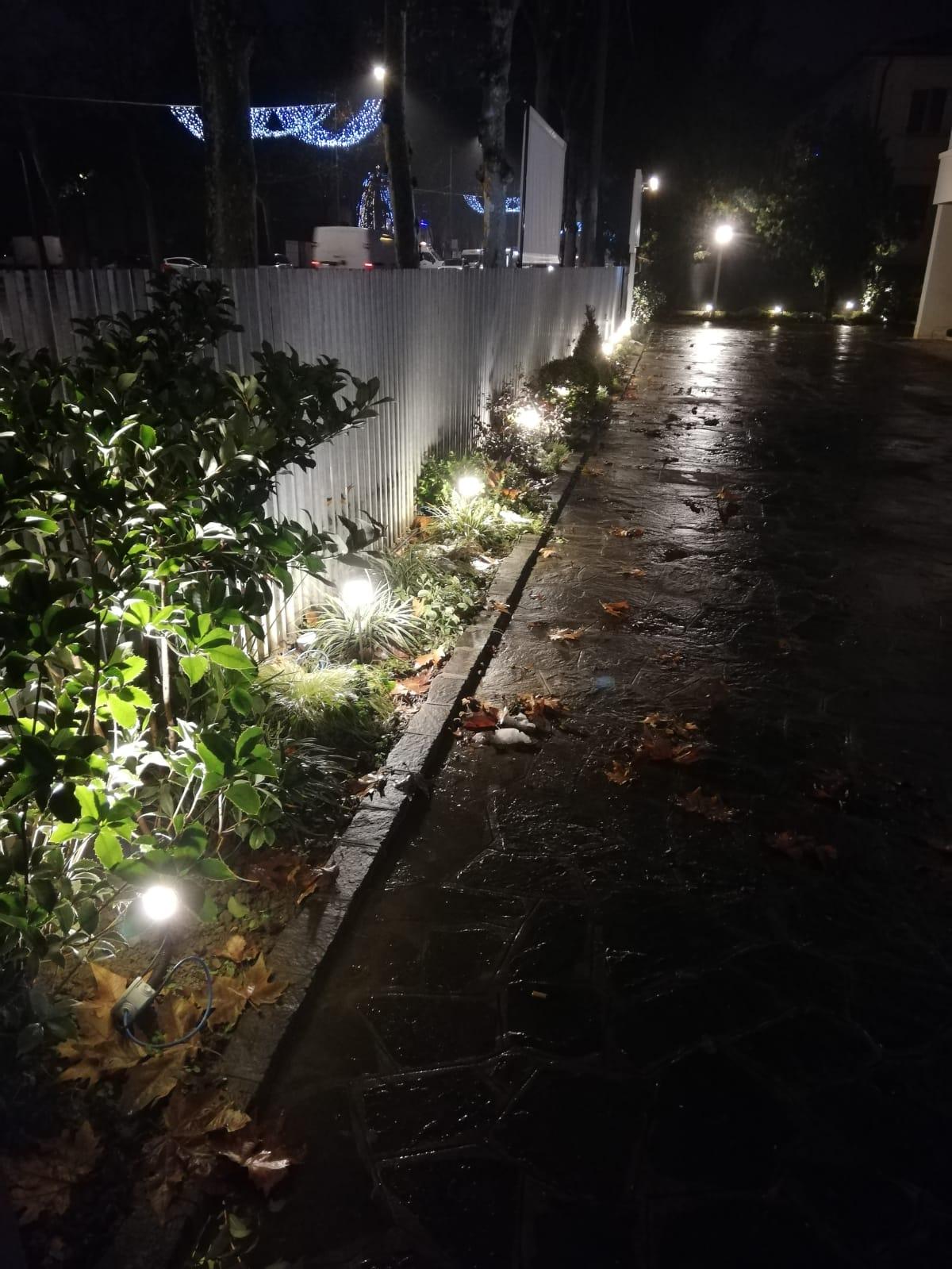 Luci Per Tettoia In Legno 4 idee con i faretti led da esterno - illuminazione giardino