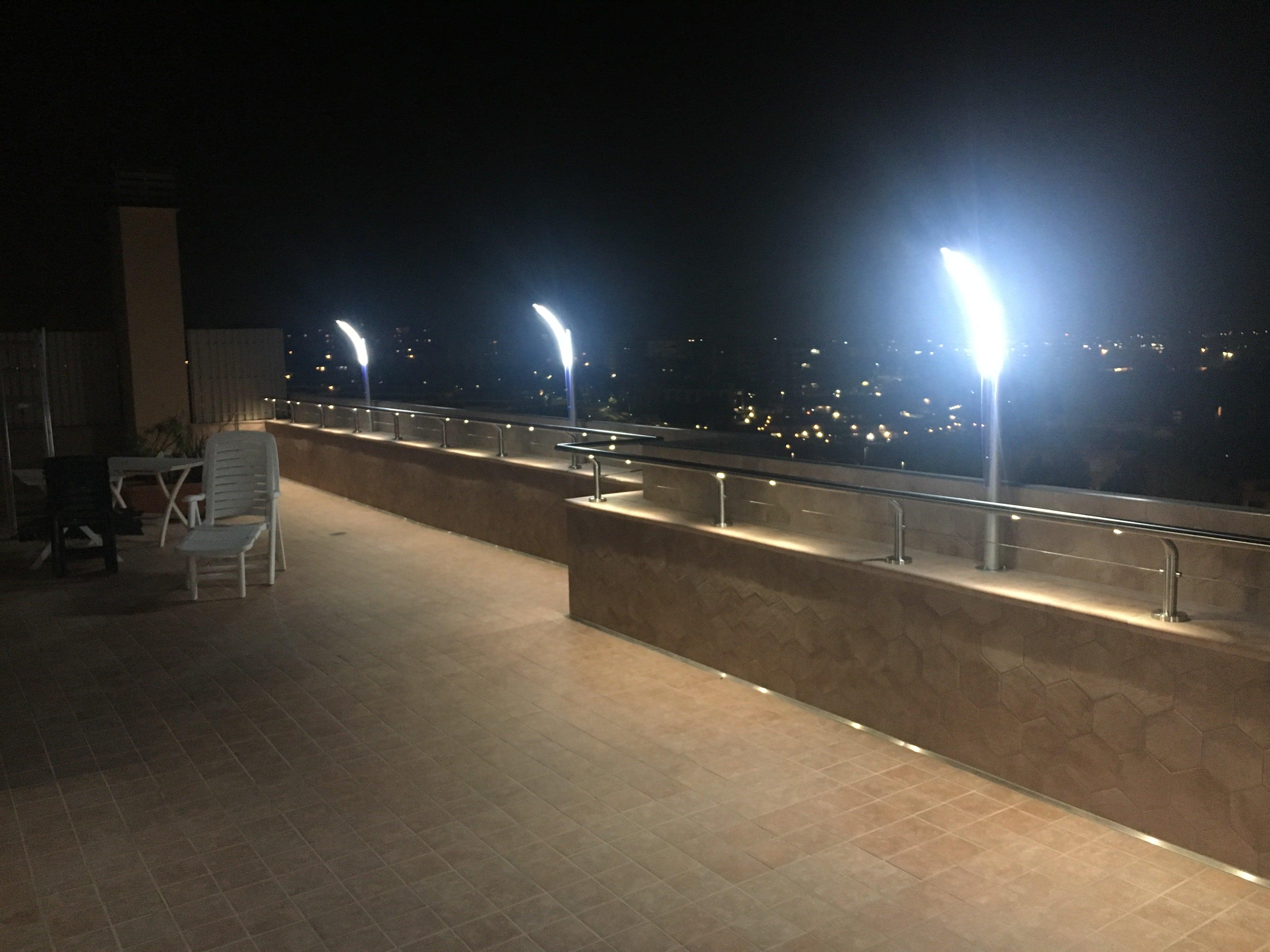 Luci Per Tettoia In Legno 3 idee di illuminazione terrazzo attico - illuminazione giardino